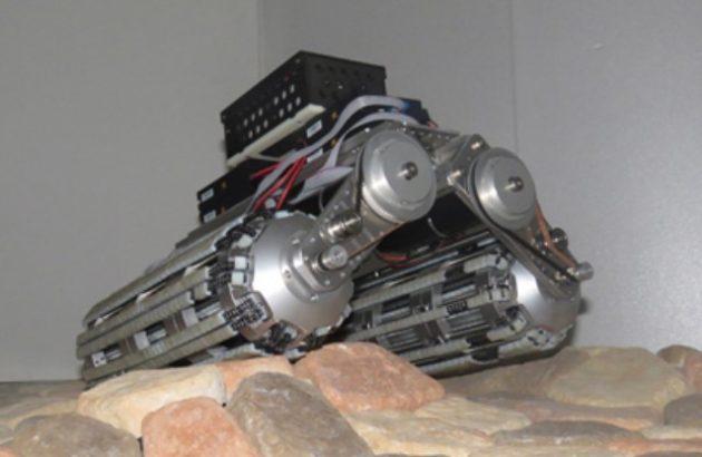 円形断面型クローラーを搭載した車両