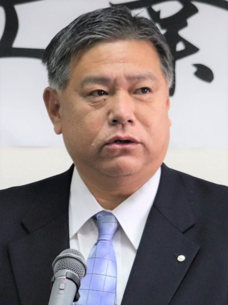 挨拶を行う鮫島会長