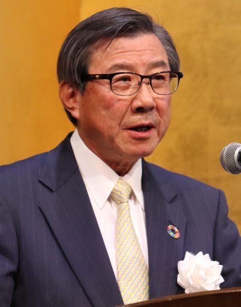 共催52団体を代表してあいさつを行う日化協の淡輪会長