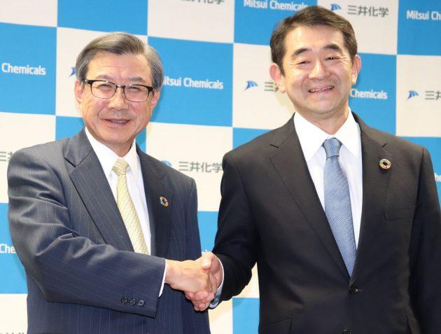 淡輪社長(左)と次期社長に就任する橋本専務