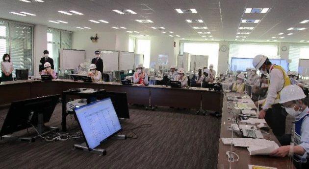 災害対策本部会議の様子。写真中央が大田社長