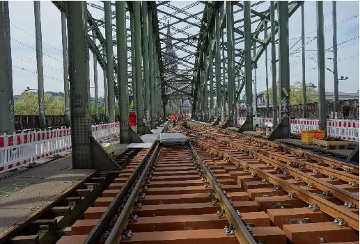合成木材「FFU」ドイツ国鉄での採用事例②