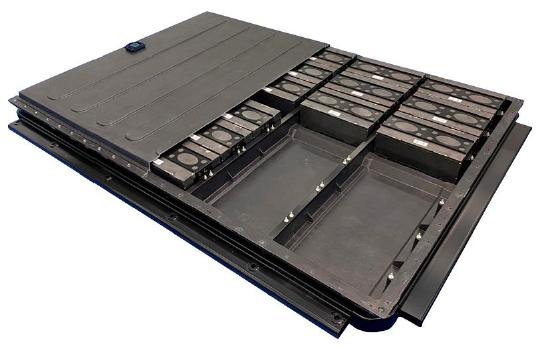 マルチマテリアルによるバッテリーボックス