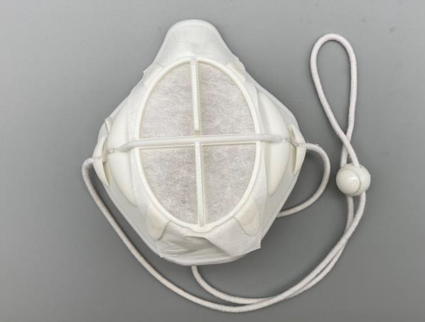 インナーマスク『タートル』。中央部は交換できる不織布フィルター